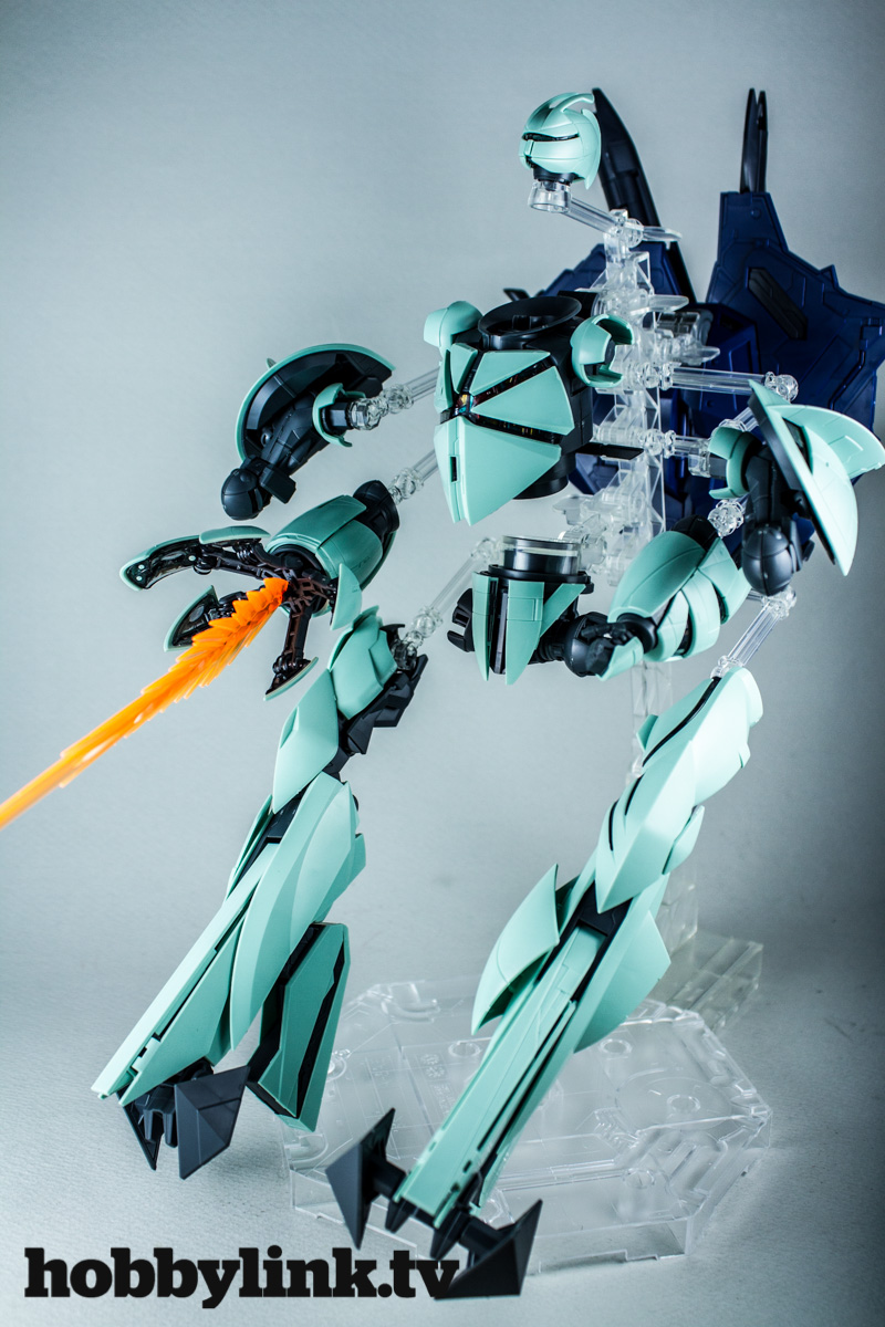 1-100 MG Turn X Gundam by Bandai -1
