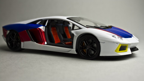 1-24-Lamborghini-Aventador-01