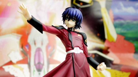 GEM-Athrun-Zala-by-Mega-House-01