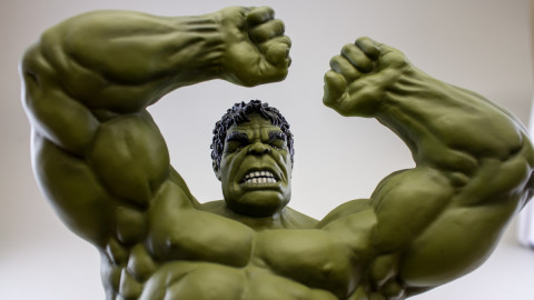 Avengers--Hulk-(Unpainted-Kit)-by-Dragon-clear-coat-3