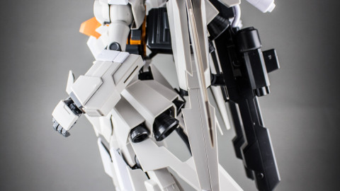 MG-ReZEL-C-Defenser-a+b-Unit-04
